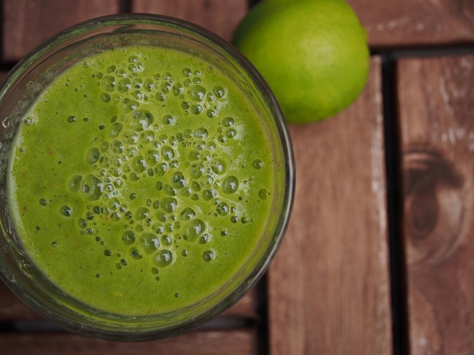 Shujsevalni-zeleni-smoothie_1