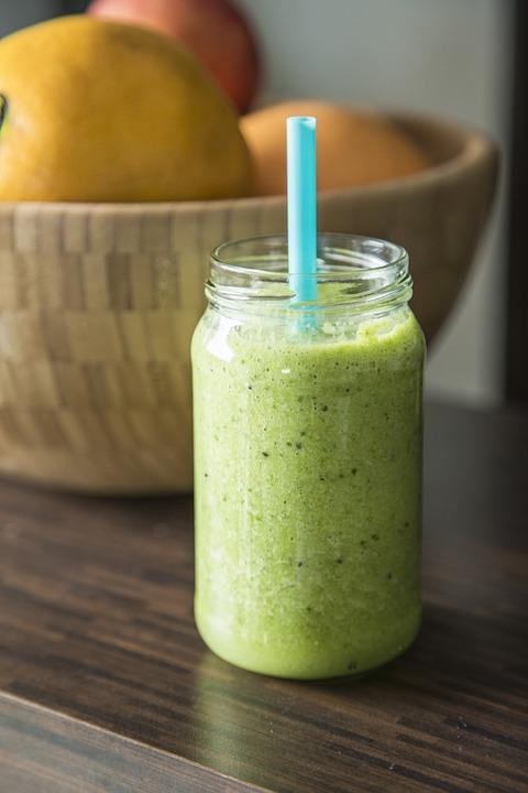 Shujsevalni-zeleni-smoothie_3